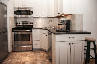 41 1st St 2e - kitchen