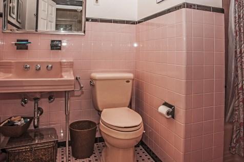 828 Hudson St 1 - bath