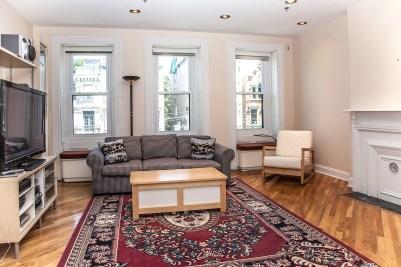 930 Hudson St 4 - living room