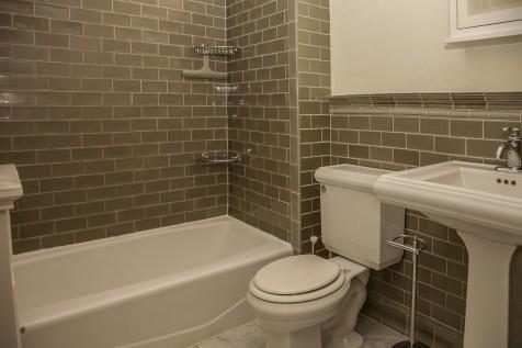 828 Washington St 4 - bathroom
