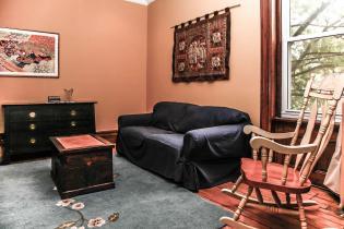 1248 Bloomfield St 2 living room 2