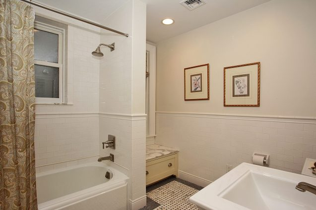 926 Castle Point Terrace - bath