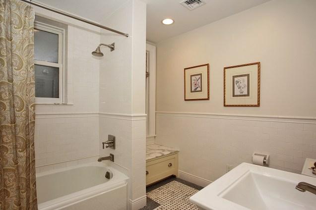 926 Castle Point Terrace - bath
