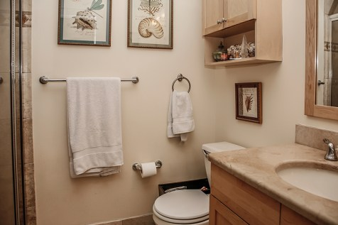 904 Jefferson St 21 - master bath