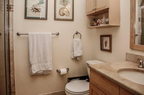 904 Jefferson St 21 - master bath