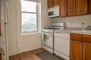 917 Washington St #3 - kitchen