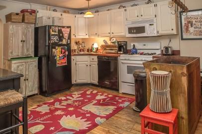 1037 Park Ave - kitchen