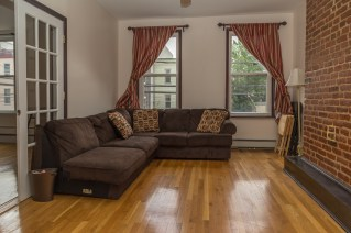 120 Monroe St #2 - living room