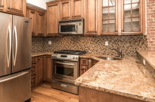 1030 Hudson St #10 - kitchen
