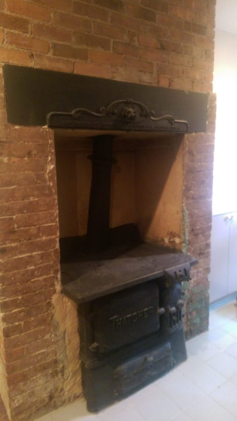 826WashingtonSt-Garden-fireplace