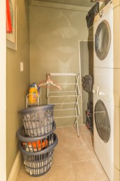 825 Willow Ave - laundry