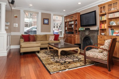 825 Willow Ave - living room 1