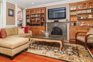 825 Willow Ave - living room 2