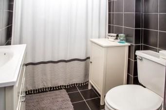 828 Washinghton St Apt 3 - bathroom