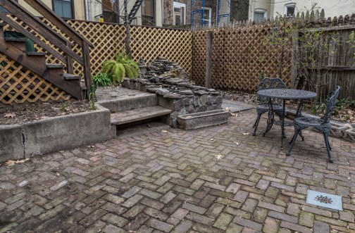 162 9th St - patio