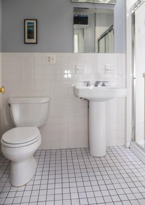 817 Garden St - bathroom 1