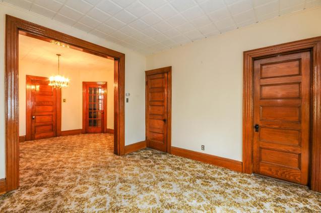359 Ogden Ave - dining room