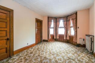 359 Ogden Ave - living room