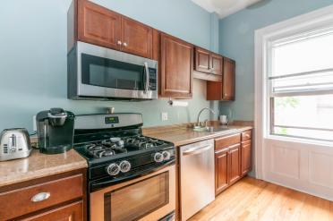 722 Hudson St - apt 2 kitchen 2