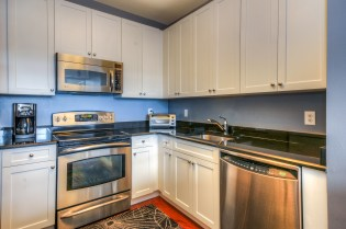 1500-washington-st-5f-kitchen-1