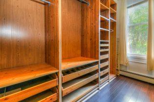 1027-willow-ave-closet