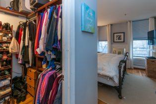 1115 Willow Ave 202 closet