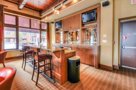 1500 Washington St 7M bar