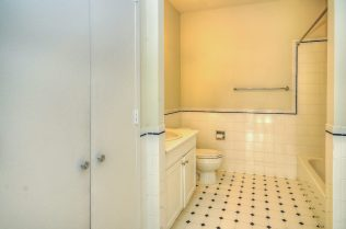1500 Washington St 7M bath 1