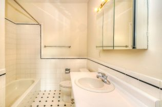 1500 Washington St 7M bath 2