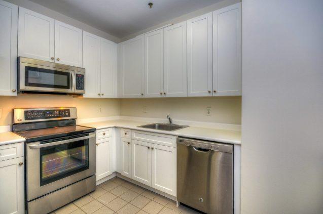 1500 Washington St 7M kitchen 1