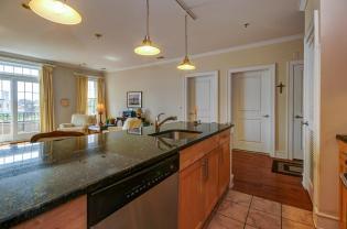 904 Jefferson St 6G kitchen 2