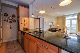 904 Jefferson St 6G kitchen 3