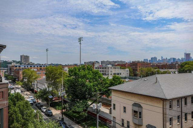 904 Jefferson St 6G view