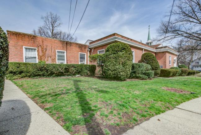 61 Church St Teaneck NJ 07666-large-010-18-DSC 7304 5 6-1490x1000-72dpi