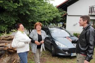 Gernot Schmerlaib charming some locals