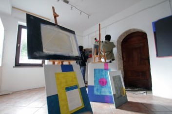 setting up an exhibition
