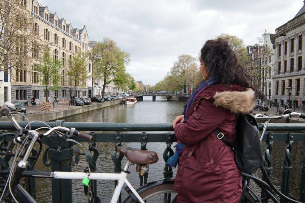 Puente camino a la casa de Ana Frank. Que hacer en Amsterdam
