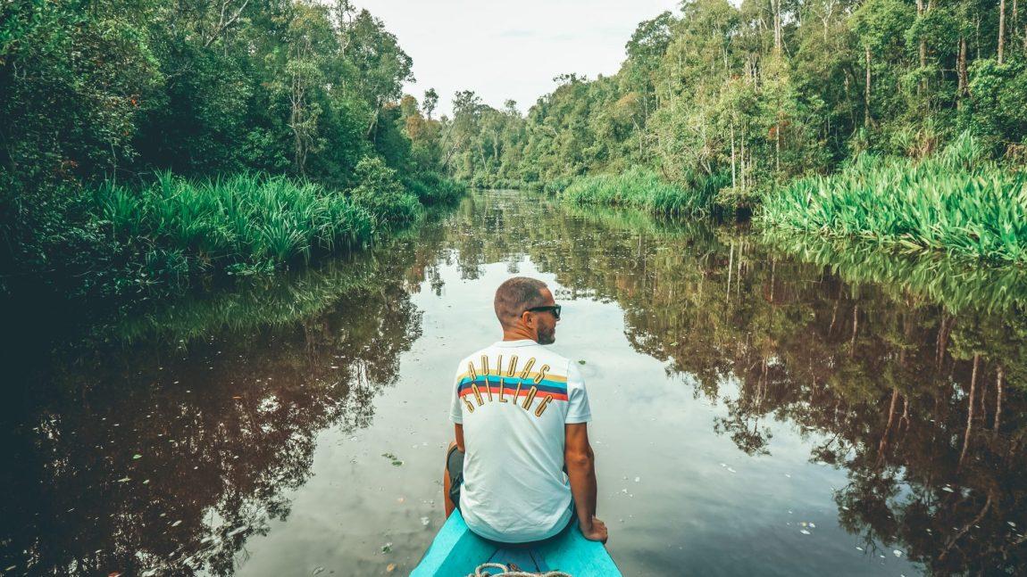 Borneo en klotok en busca de orangutanes