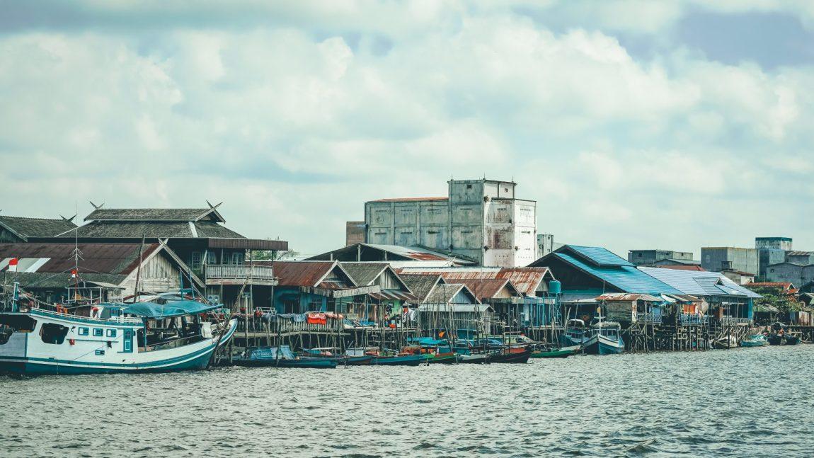 Borneo en Klotok y llegada al volcán Bromo
