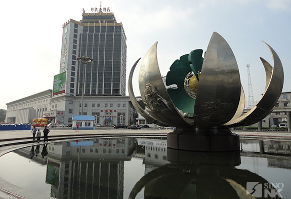 At the Dandong railroad station, gateway to North Korea | Image: Matthew Bates/Sino-NK