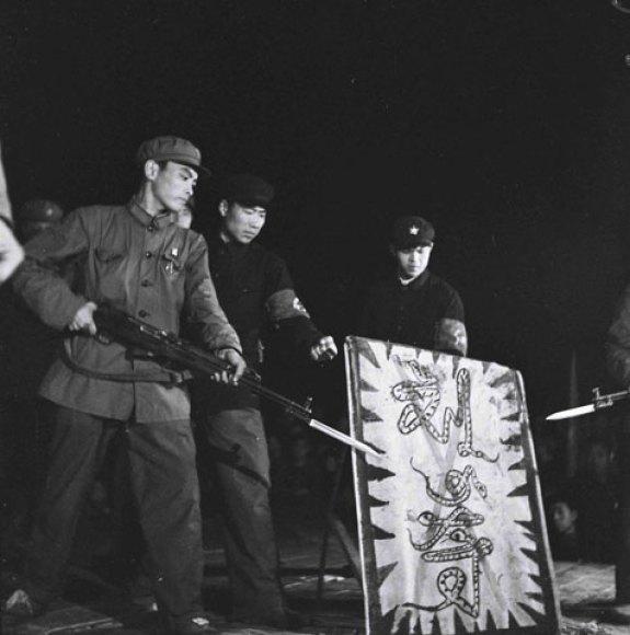 "Red Guards in Yanbian Menace the Purged and Snake-like ""Liu Shaoqi,"" circa 1967. |Image: Ryu Eunkyu."