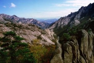 The sun went down on Mt. Kumgang tourism in 2008. But what was left behind? | Image: Destination Pyongyang