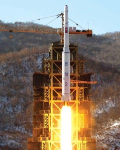 Unha 3-2 and Kwangmyŏngsŏng-3 Rescaling beyond the stratosphere: Image Rodong Sinmun