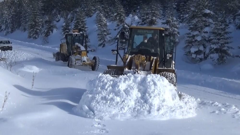 Sinop'ta 28 köy yolu ulaşıma kapandı
