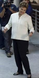 Falta à reação de Dilma um bom samba-enredo