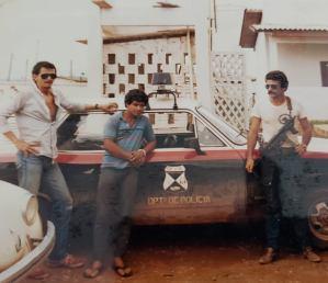 Os policiais Josmar Câmara e José Nogueira e o perigoso bandido Edmilson Pequeno