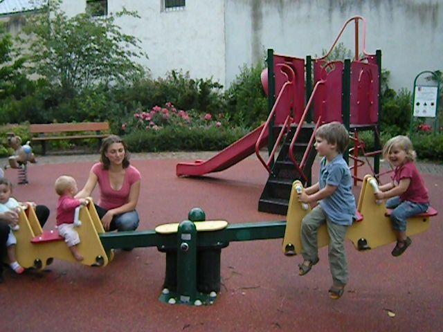 en IEF, on a du temps pour aller aux jeux et en profiter quand les autres enfants sont à l'école !
