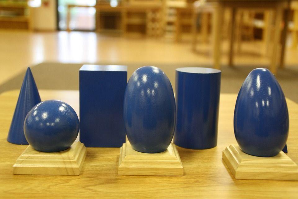 volumes géométrie Montessori