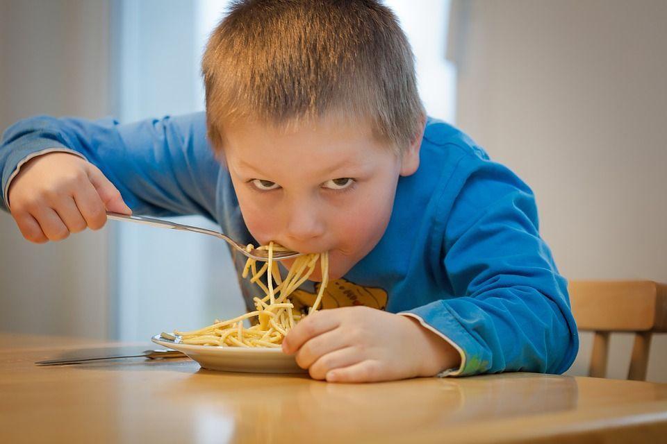 enfants stressés quand i faut se dépêcher de manger