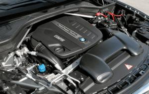 直列6気筒DOHC3.0ツインパワーターボディーゼル